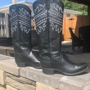 New without tags- Tony Lama boots size 8